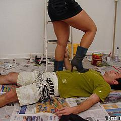 Foot painter.